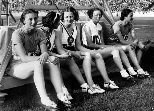 Five_finalists_of_women's_80_m_hs_(1936_Summer_Olympics)