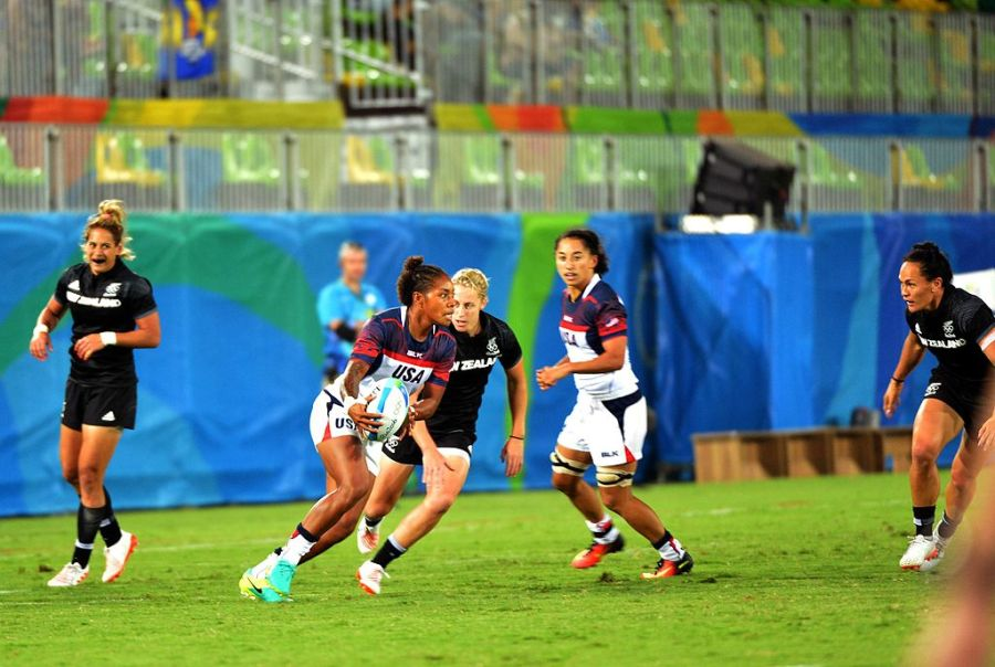 Team_USA_women's_rugby_sevens_vs._New_Zealand_(28255822073)