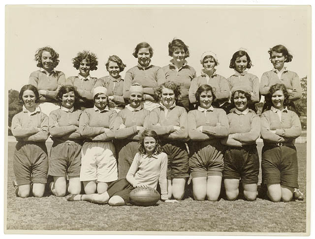 Women-rugby-team-australia-1930s